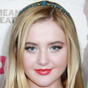 Movie actress Kathryn Newton - age: 24