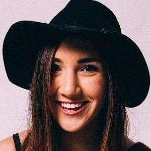 web video star BrookexBeauty - age: 23