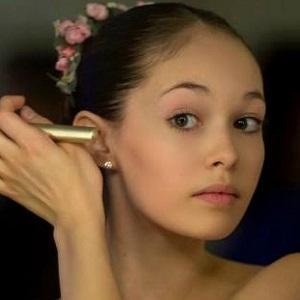 Dancer Juliet Doherty - age: 23