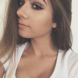web video star Siena Mirabella - age: 19