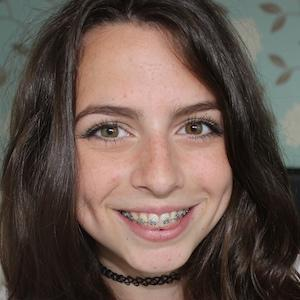 web video star Sophie Foster - age: 23