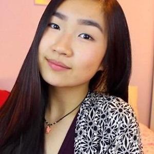 web video star Jennifer Zhang - age: 22