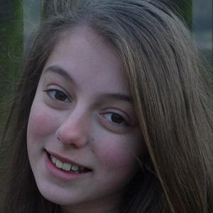 Opera Singer Hollie Steel - age: 18