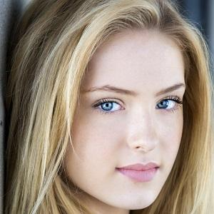 Movie actress Saxon Sharbino - age: 21