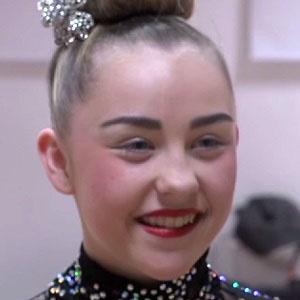 Dancer Sam Dennis - age: 20