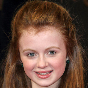 TV Actress Maisie Smith - age: 19
