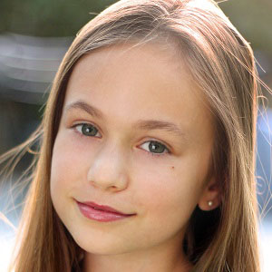 TV Actress Ella Ballentine - age: 19