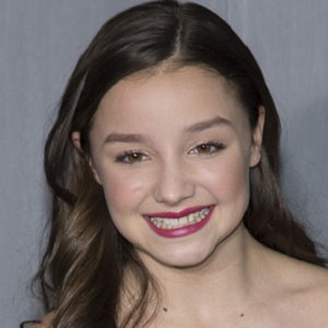 TV Actress Mackenzie Aladjem - age: 19