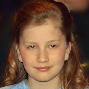 Royalty Princess Elisabeth - age: 19
