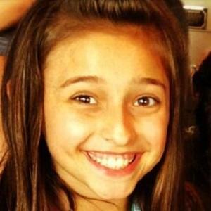 TV Actress Teilor Grubbs - age: 19