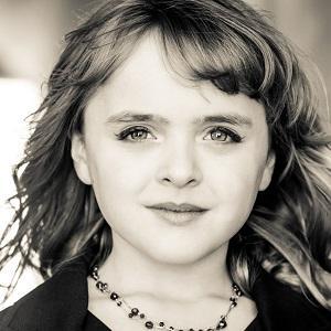 Pop Singer Olivia Kay - age: 13