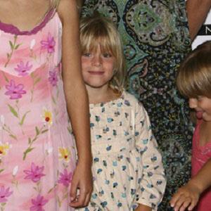 Family Member Celeste Van Dien - age: 17