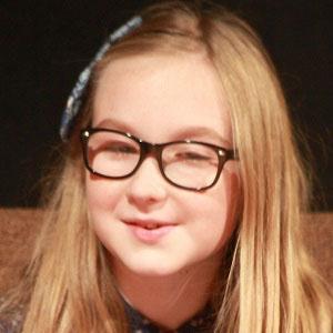 TV Actress Meyrick Murphy - age: 17
