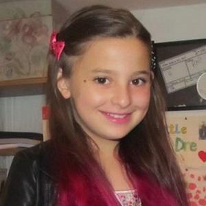 Pop Singer Matilda Devries - age: 17