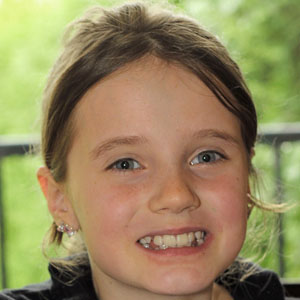Pop Singer Amira Willighagen - age: 16