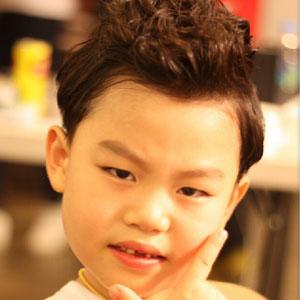 TV Actor Hwang Min-woo - age: 15
