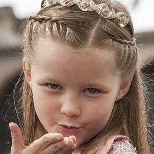 TV Actress Isabella Tena - age: 10