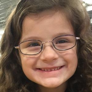 web video star Hayley Noelle - age: 12