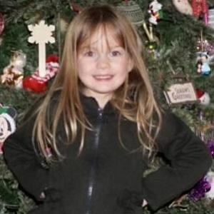 web video star Ava Ryan - age: 7