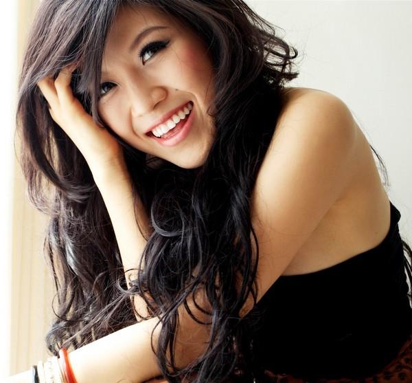 Singer Trang Phap - age: 32