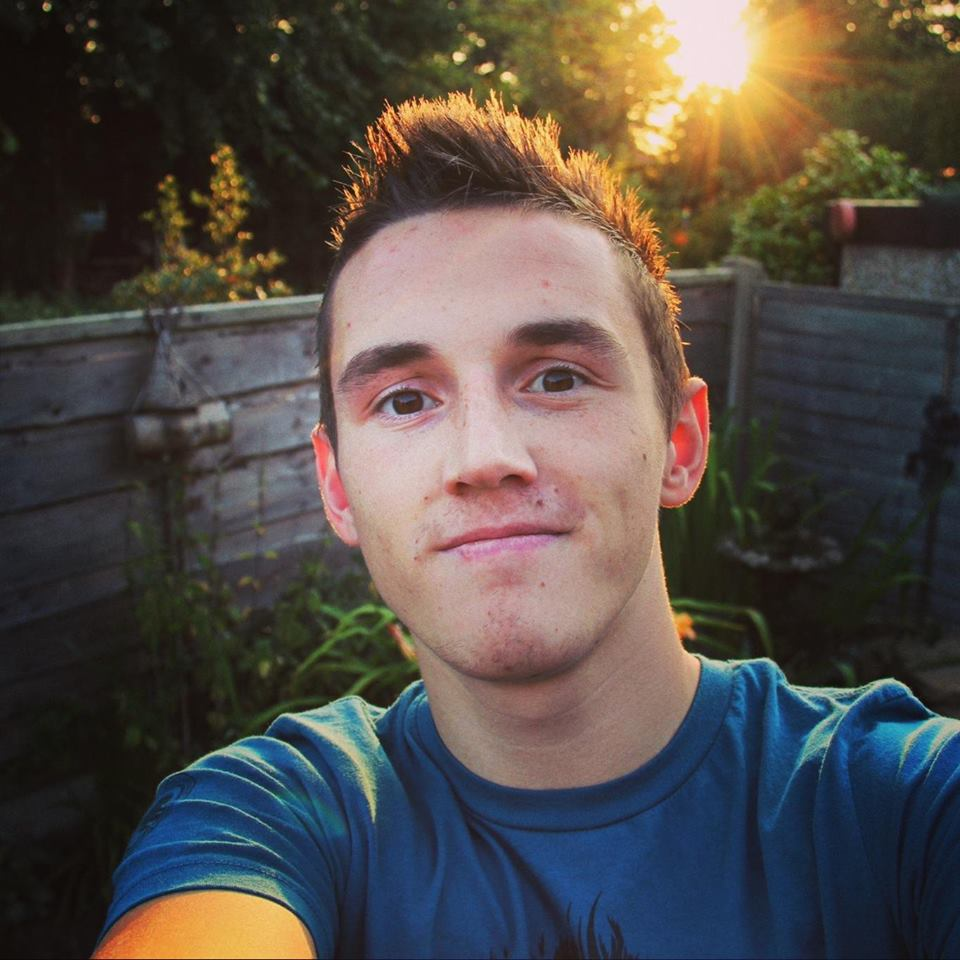 Vlogger Tom Cassell - age: 24