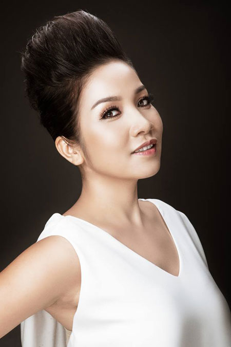 Singer My Linh - age: 42