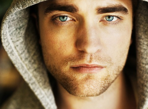 Movie Actor Robert Pattinson - age: 34