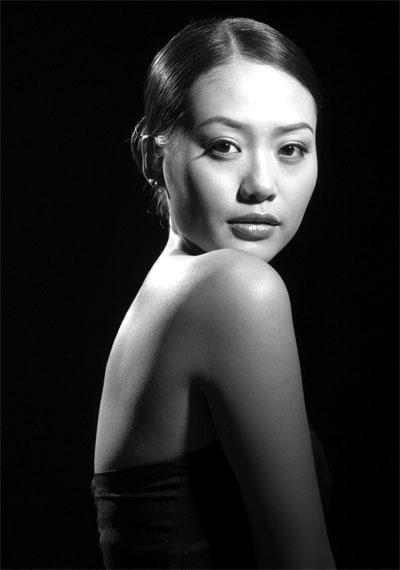 Actress Hong Anh - age: 39
