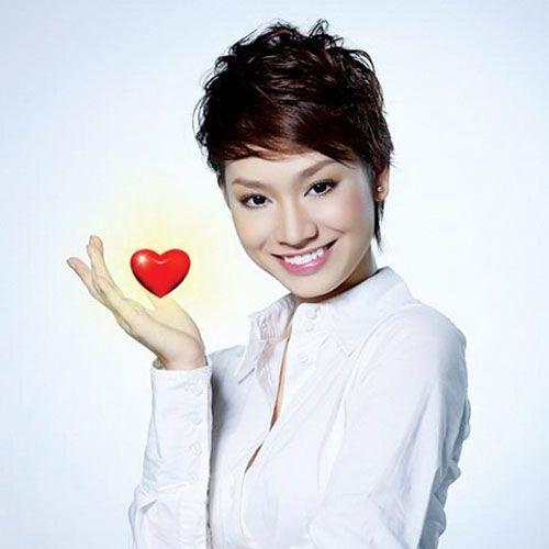 Singer Tra My Idol - age: 31