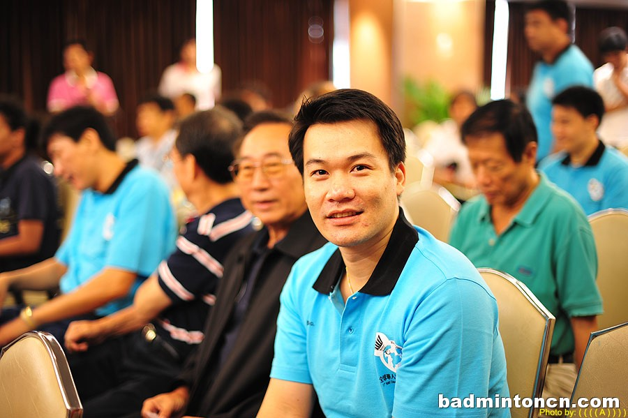 Male Badminton Player Patapol Ngernsrisuk - age: 36