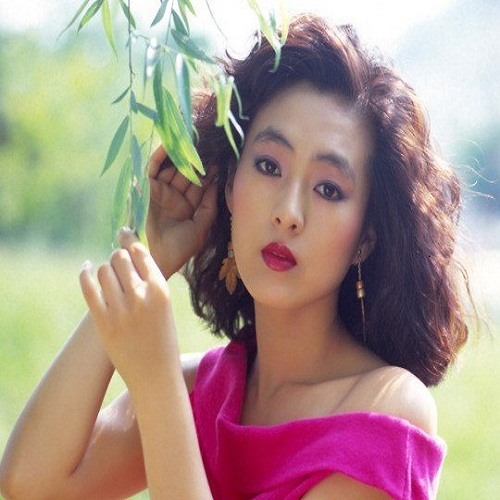 Actress Bo-Hee Lee - age: 58