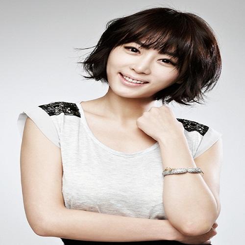 Actress Kang Ye-won  - age: 37