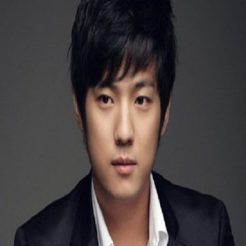 Actor Suh Joon-young - age: 33