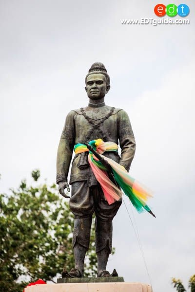 King of Siam U-thong - age: 54
