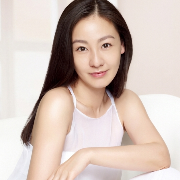 Actress Lee Mi-yeon - age: 45
