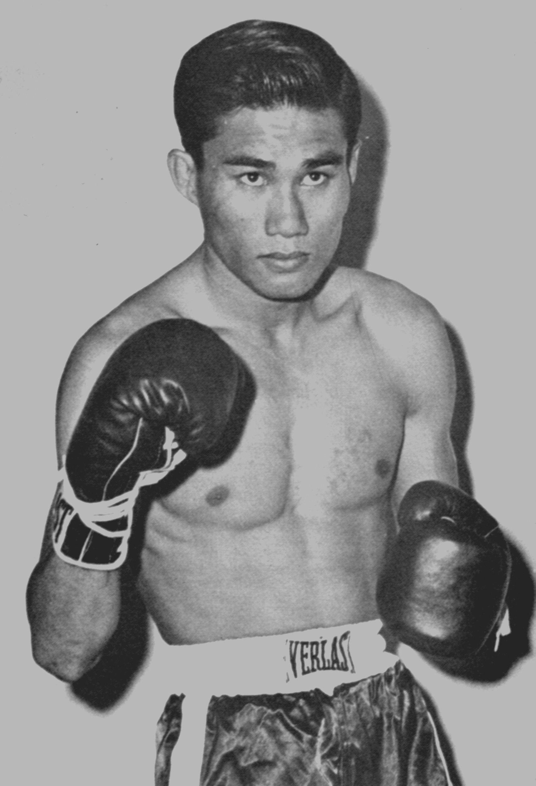 Boxer Pone Kingpetch - age: 47