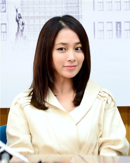 Actress Min-jung Lee - age: 35