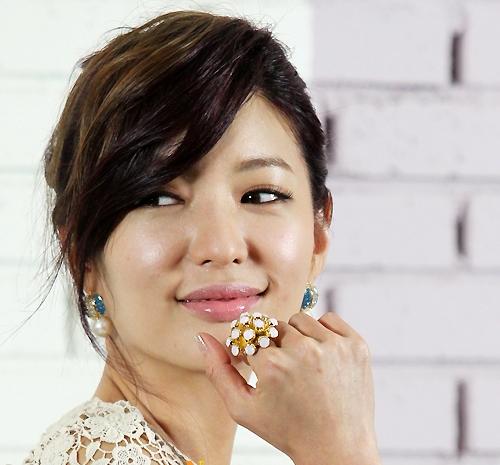 Singer Seo Ji Young - age: 39