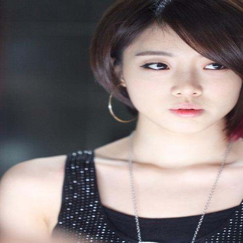 Singer Hahm Eun-jeong - age: 28