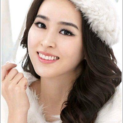 Actress Hye-jin Han - age: 35
