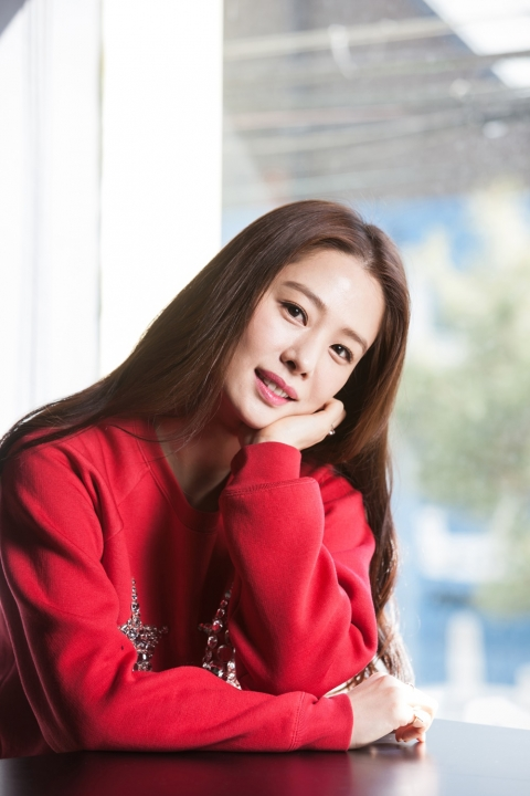 Actress Kim Hyun-joo - age: 40