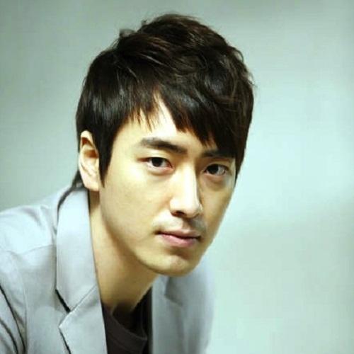 Actor Lee Joon Hyuk - age: 36