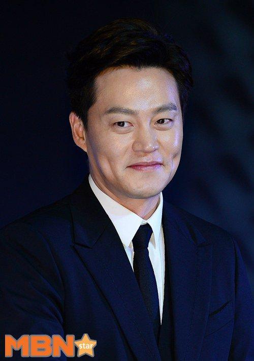 Actor Lee Seo-jin  - age: 46