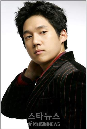 Actor Song Chang-ui - age: 41