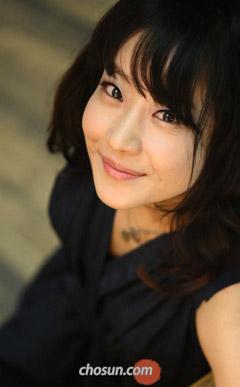 Singer Yangpa - age: 41
