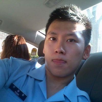 Footballer Yoon Sang-Chul - age: 52