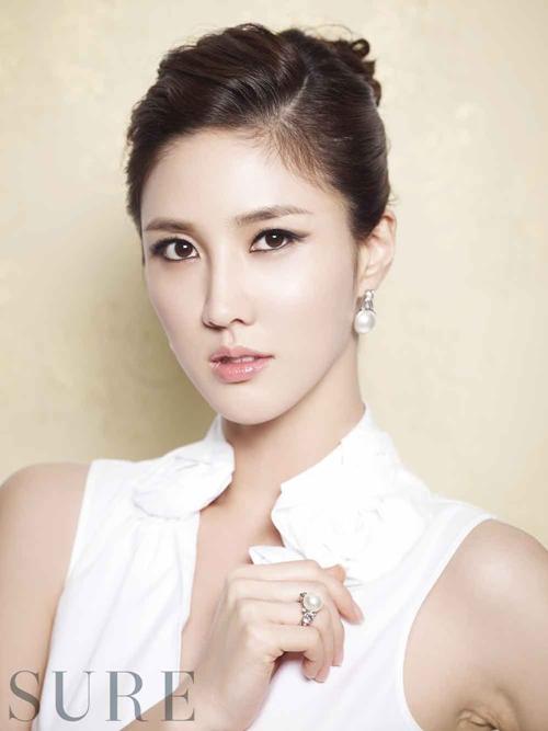 Actress Lee Soo Kyung  - age: 35