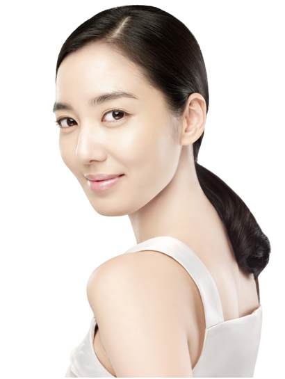Actress So-yeon Lee - age: 37