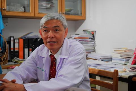 Professor Yong Poovorawan - age: 5