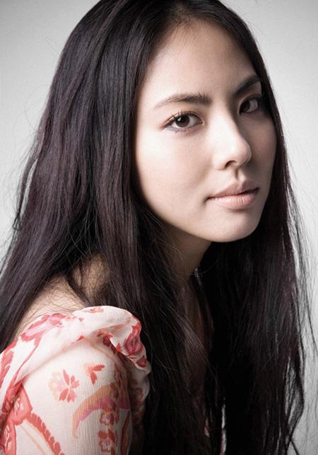 Actress Park Ji-yoon - age: 39